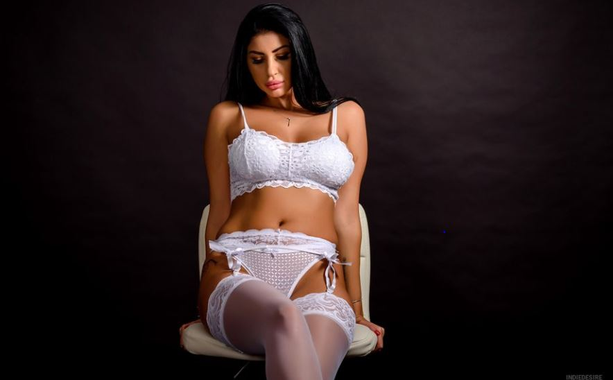 IndieDesire Model GlamourCams