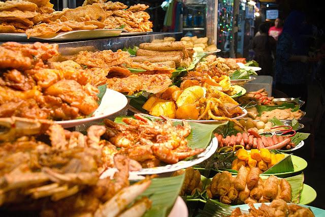 جولة في شوارع بينانج لتذوق أكل الشوارع