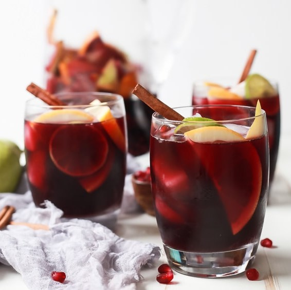 The Ultimate Holiday Sangria Recipe #drinks #cocktails