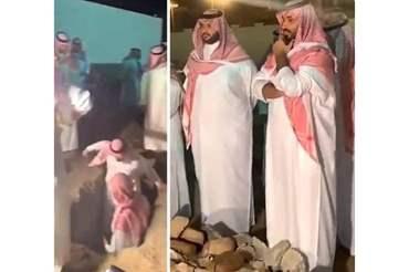 فيديو..أمير الرياض ينهار من البكاء أثناء دفن والده وهكذا ظهر ولي العهد