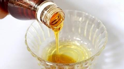 Campuran madu dan minyak zaitun mampu buat bibir yang merah merona akan membuat banyak mata terpesona