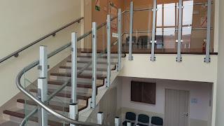 Szyna jezdna platformy schodowej Ascendor PLK8 wykonan ze stali nierdzewnej