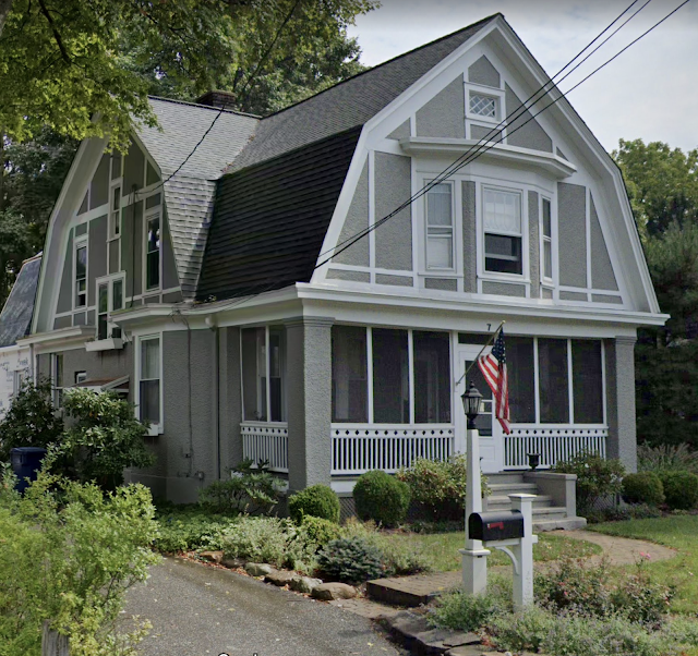 left and front view of Sears No 137 at 7 Orchard Street, Mendham, New Jersey