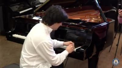 رقم قياسي عالمي جديد في سرعة العزف على البيانو