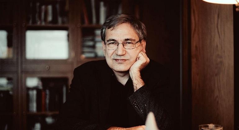 Biografi Lengkap Orhan Pamuk, Karya dan Kontroversinya