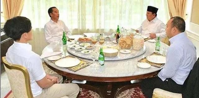 Berkunjung Di Awal Tahun Bersama Semata Wayangnya, Prabowo Istimewakan Jokowi