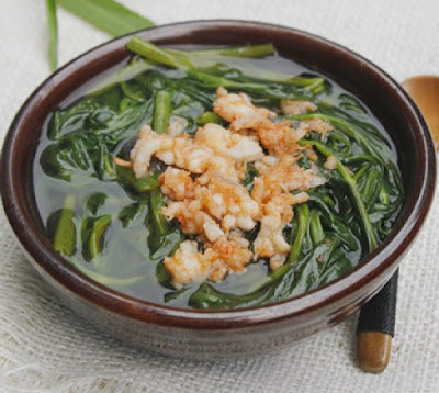 water spinach soup with fried shrimp
