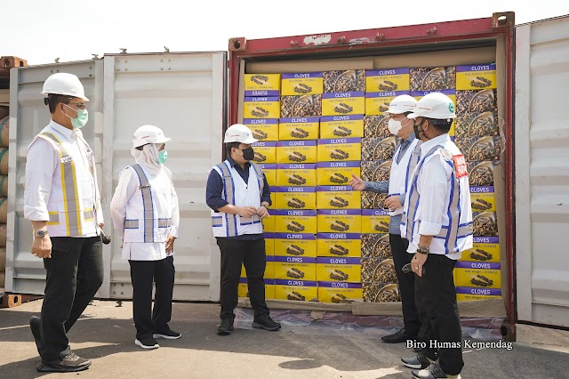 Mendag, Mentan, dan Menteri BUMN Lepas Ekspor Produk  Pertanian Surabaya