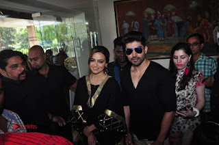 Bollywood Actress Sana Khan Launches Aakrithi Exibition  0365.JPG