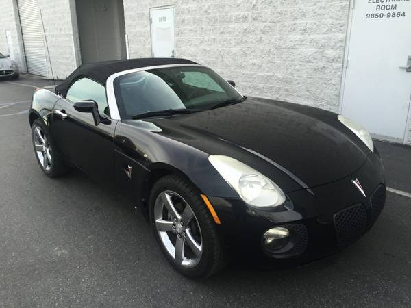 Black On Black  2007 Pontiac Solstice Roadster