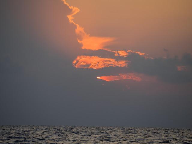 h 6:42 alba verso Marina di Ragusa ©Valeriaderiso