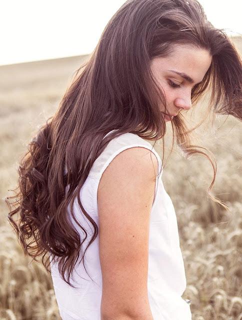 beautiful long hair girl wallpaper side