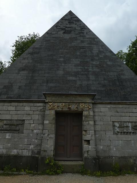 pyramid Neuer Garten Potsdam
