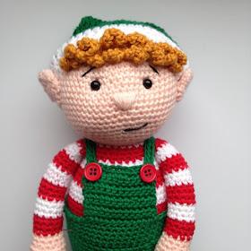 Christmas Elves Amigurumi : Heart & Sew: Christmas Elf - Free Crochet / Amigurumi Pattern