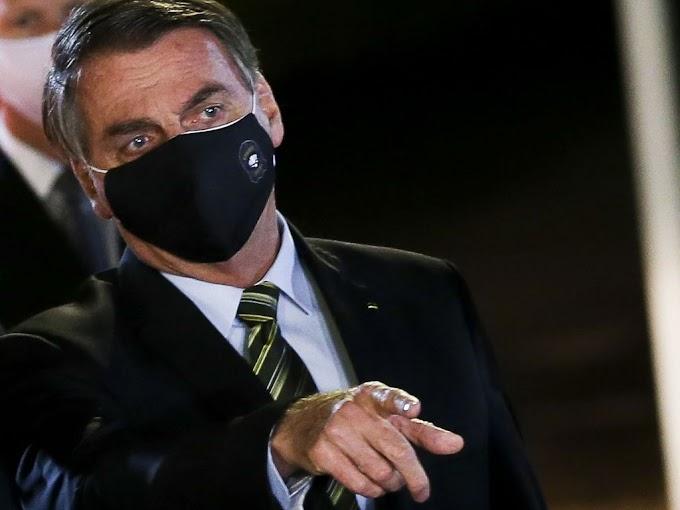 """""""Algo grave está acontecendo com nossa democracia"""", afirma Bolsonaro"""