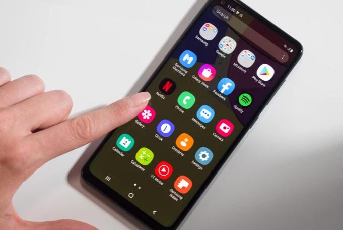 Berikut daftar ponsel yang paling banyak dikirim tahun lalu. Bisakah kamu menebak yang mana yang paling atas?
