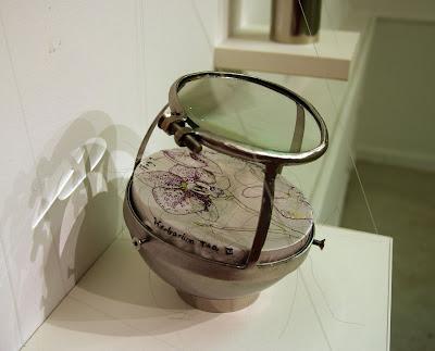 art textile contemporain, embroidery, fiber art, cabinet de curiosité