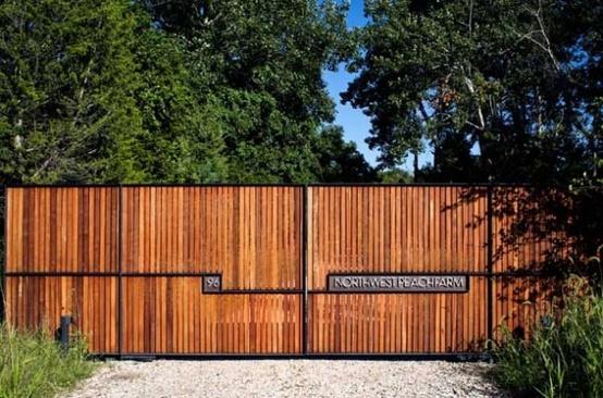 Poarta structura metalica si lemn design poarta moderna proiect gard si curte poarta lemn exotic