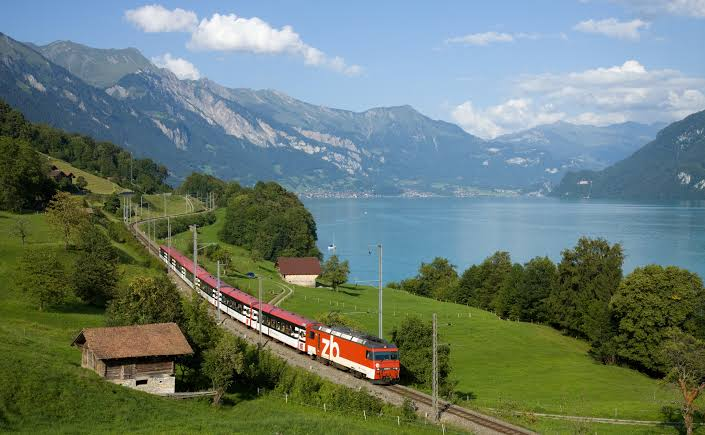 Top 5 Best Places to visit in Switzerland, Switzerland places to visit, Switzerland best time to visit, Interlaken, Interlaken in Switzerland, Interlaken Switzerland, Interlaken to jungfraujoch, Lake Interlaken