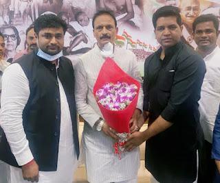 छात्र नेता रहे धीरज सिंह मुंबई कांग्रेस के महासचिव नियुक्त | #NayaSaberaNetwork