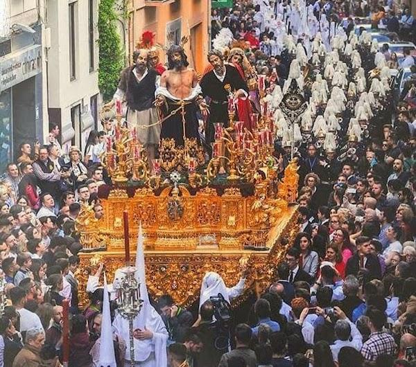 La suspensión de las procesiones de Semana Santa en Granada aumenta el desconcierto