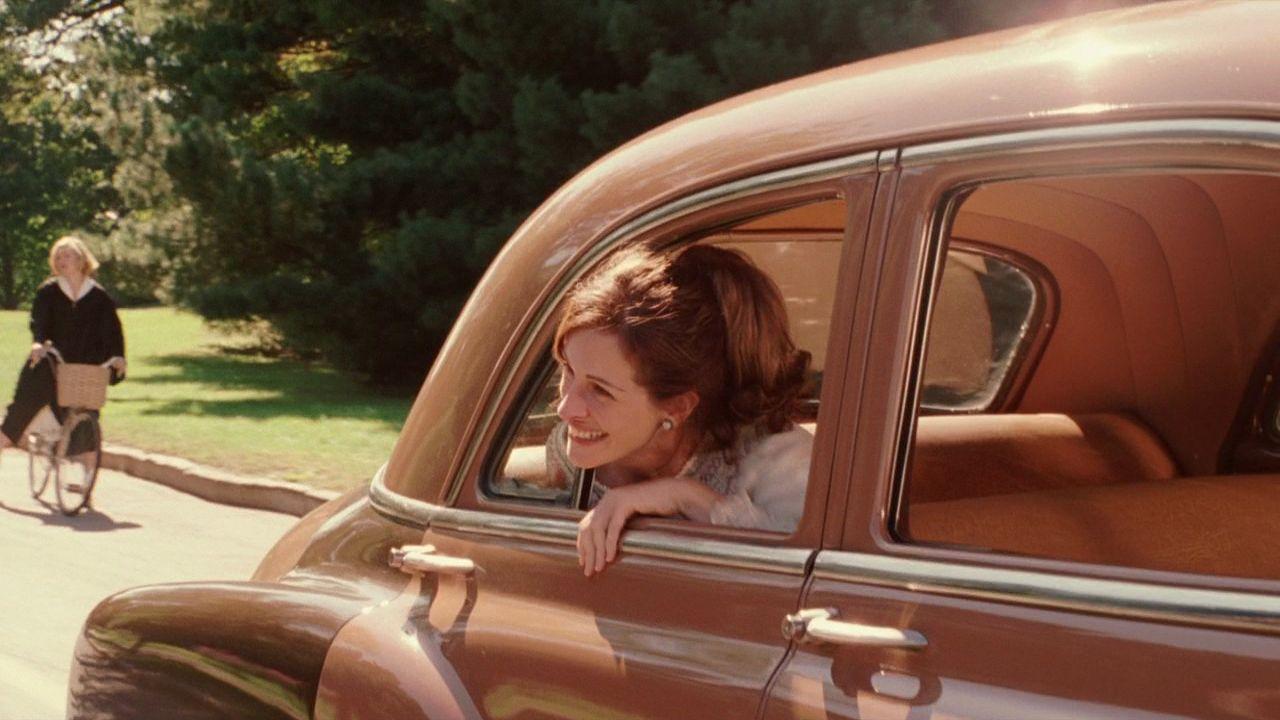 Cinematic Style Julia Roberts In Mona Lisa Smile