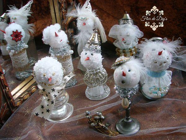 vista-frontal-muñecos-de-nieve-reciclados-flor-de-diys