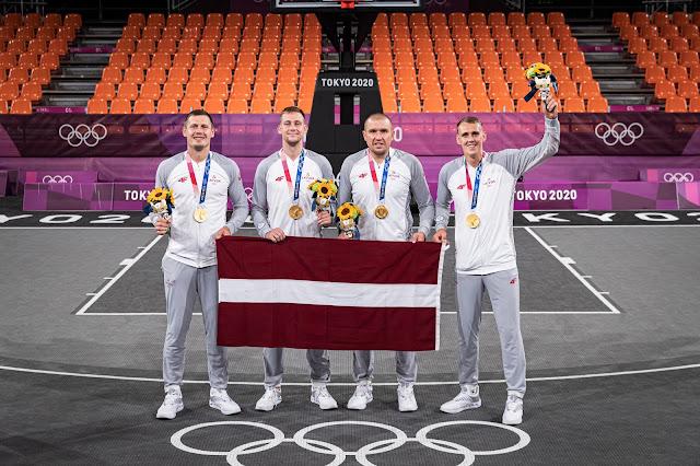 Агнис Чаварс (Agnis Čavars), Эдгар Круминьш (Edgars Krūmiņš), Карлис Паулс Ласманис (Karlis Pauls Lasmanis) и Лаурис Миезис (Lauris Miezis) олимпийцы сборной Латвии