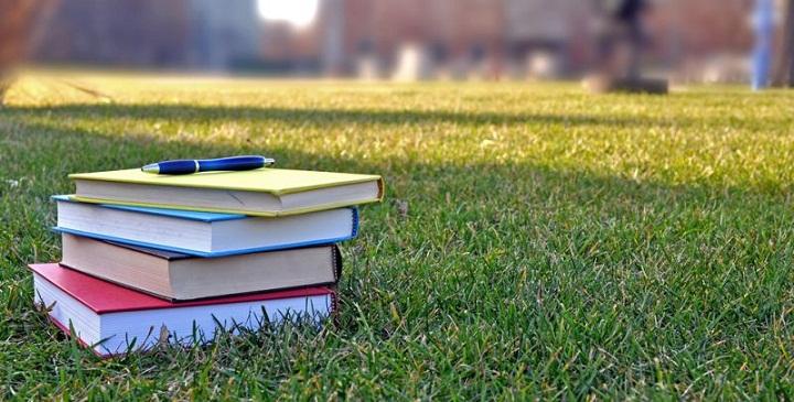 Masalah PR dari Sekolah, dan Perlunya Sikap Bijak Orang Tua Murid