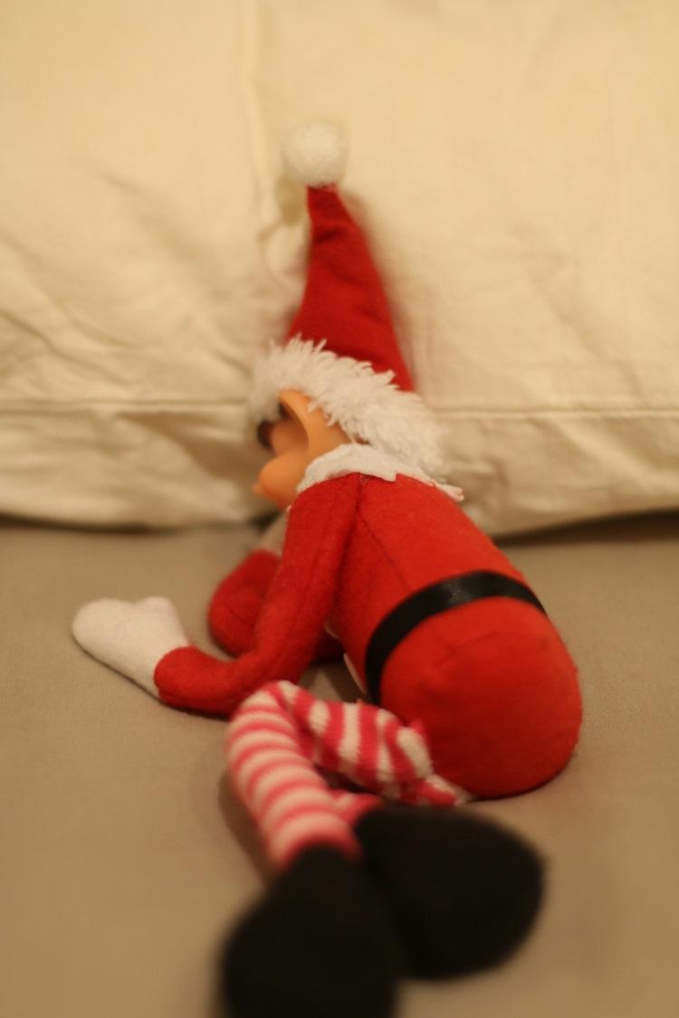 elf on the shelf joulukalenteri