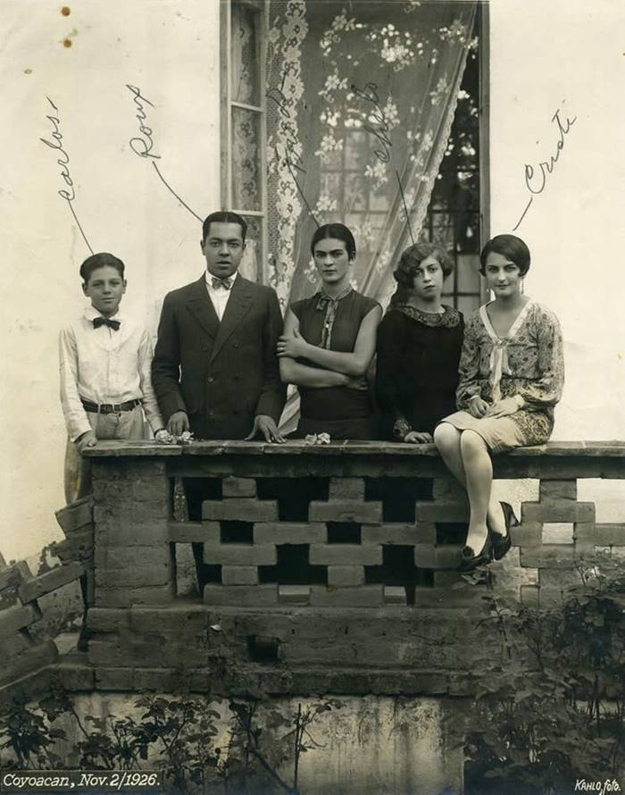 Rare Photos of Frida Kahlo, Mexican artist Frida Kahlo Rare Photos, Painter Frida Kahlo was a Mexican self-portrait artist paintings, pictures of Frida Kahlo