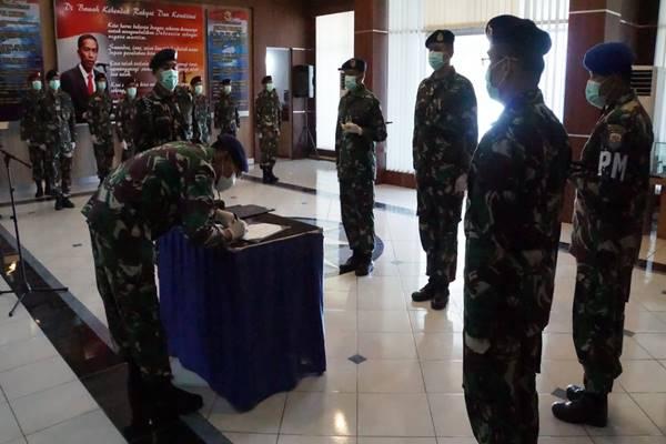 KOMANDAN PANGKALAN UTAMA TNI AL II MELANTIK KOLONEL DONNY SEBAGAI ASOPS