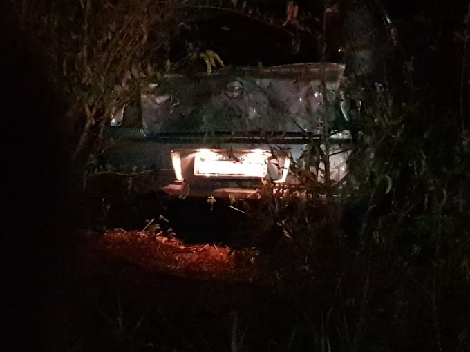 Cantor sertanejo morre após carro bater em uma árvore