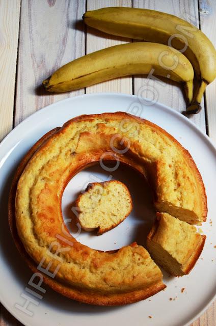 hiperica di lady boheme blog di cucina, ricette gustose, facili e veloci. Ricetta ciambellone alla banana