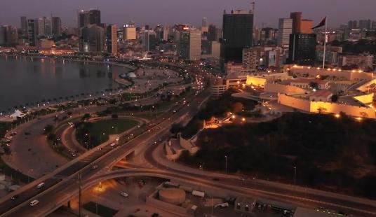 أنغولا الوضع السياسي و الإقتصادي و الاستثماري