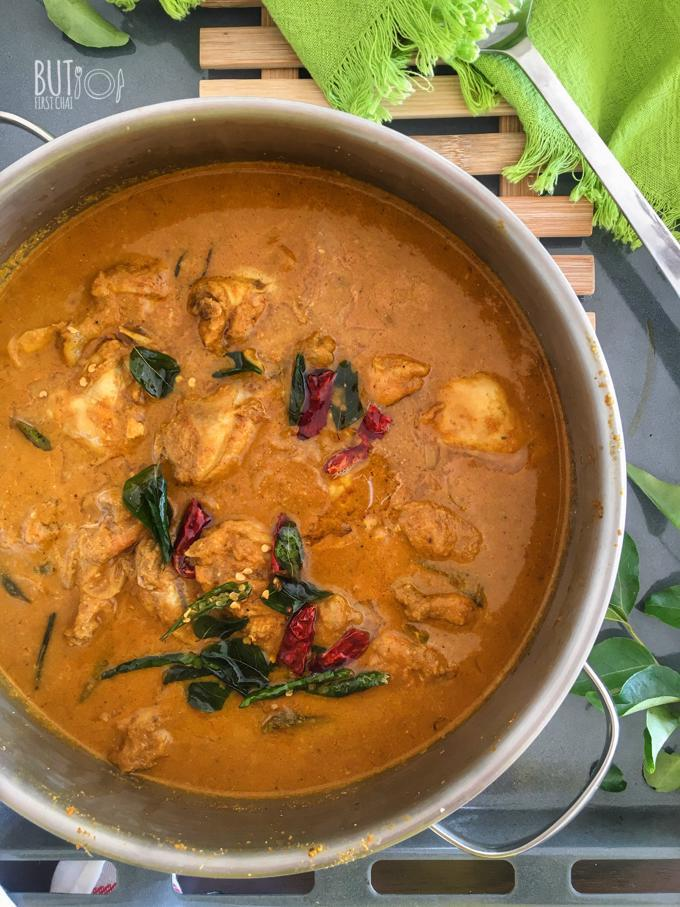 Varutharacha Malabar Kozhi Curry | Chicken Curry with Roasted Coconut Sauce