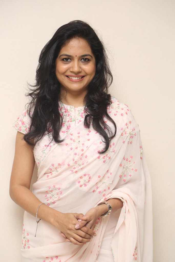 Glamours Telugu Singer Sunitha Photos In Pink Saree At Film Launch Event