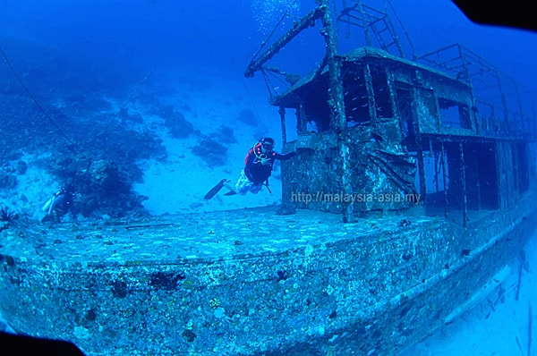 Wreck Diving Mataking Island