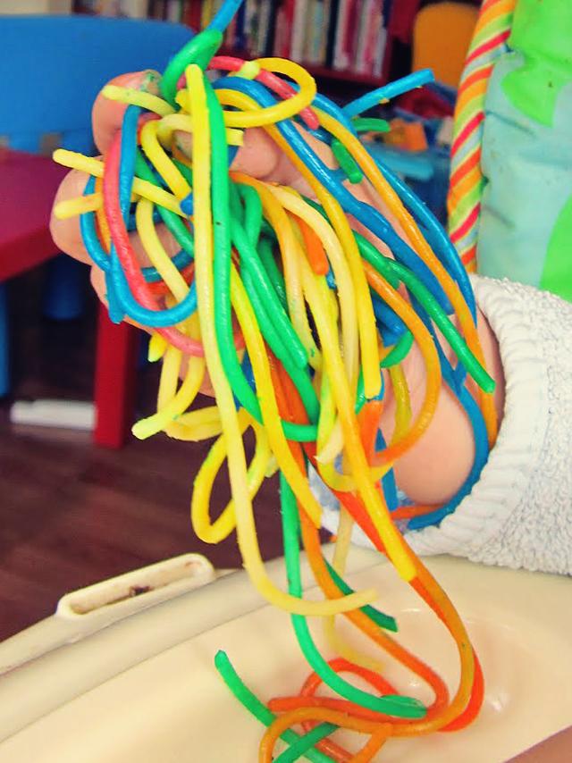 gekleurde spaghetti voedingskleurstof