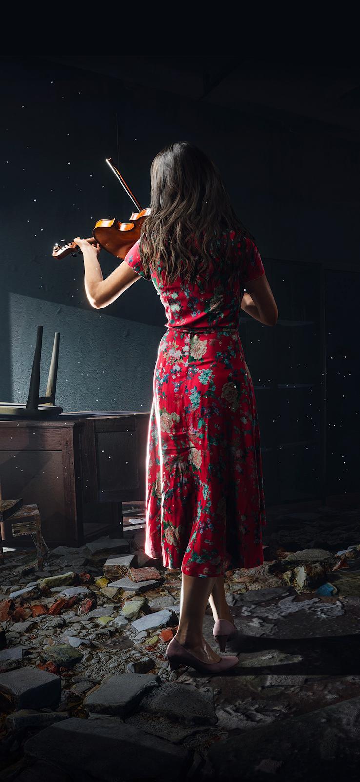 Cô gái chơi vĩ cầm