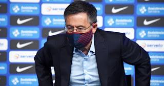 Barcelona President Josep Maria Bartomeu doesn't consider resigning despite the vote of no
