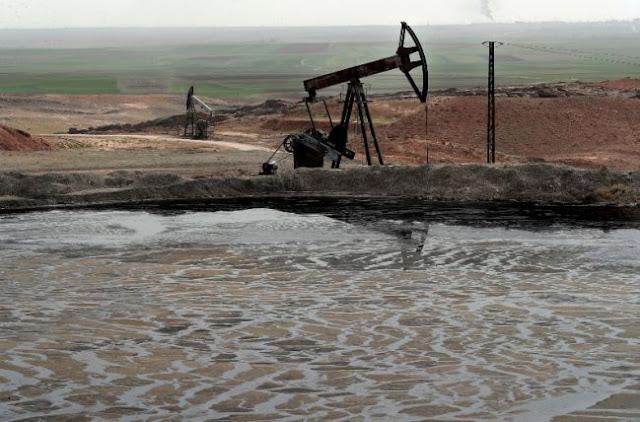 Μόσχα: «Οι ΗΠΑ λεηλατούν τις πετρελαιοπηγές της Συρίας»