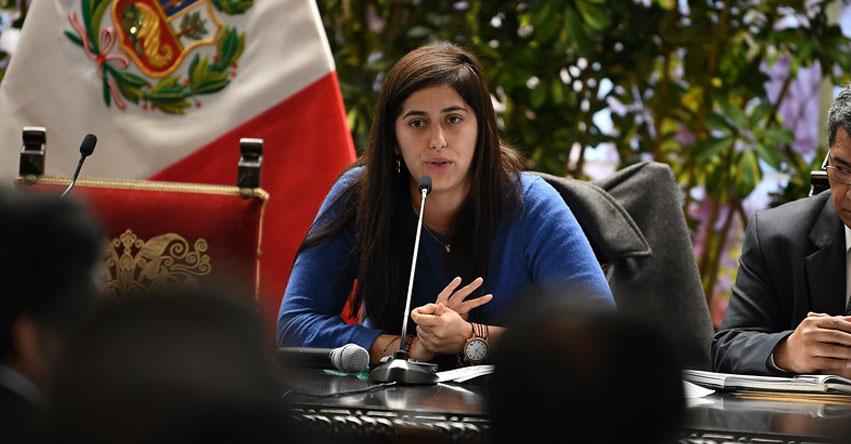 Nueva ministra de Economía será Maria Antonieta Alva
