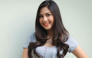 Senyum Jessica Mila
