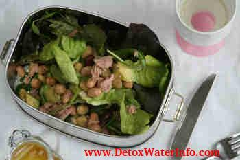 detox diet salad with tuna
