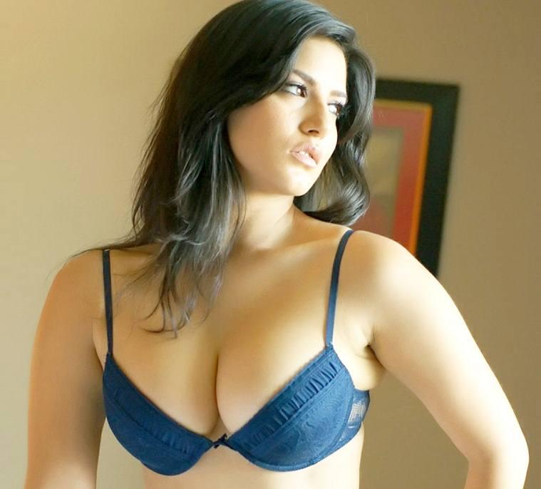 Sunny Leone Single Sex