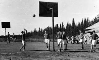 Pertandingan Bola Basket Pertama Didunia, sejarah basket, sejarah singkat basket, pertandingan pertama basket, basketball, basket pertama, sejarah basket secara singkat, penjelasan singkat bola basket
