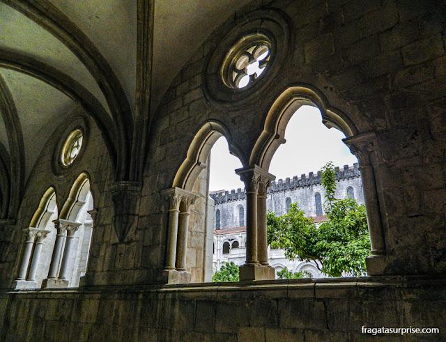 Claustro de D, Dinis, Mosteiro de Alcobaça, Portugal