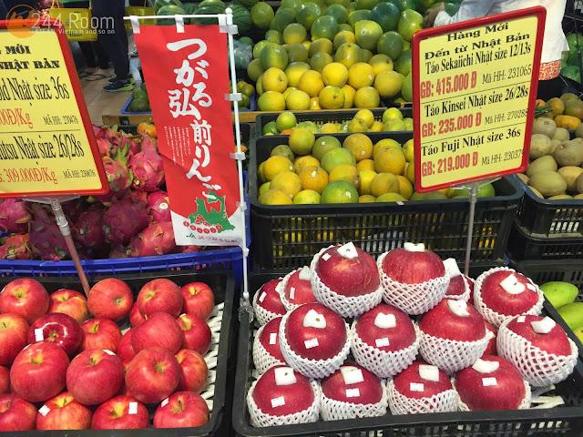 ハノイのつがる弘前りんご Japan made apple in Hanoi