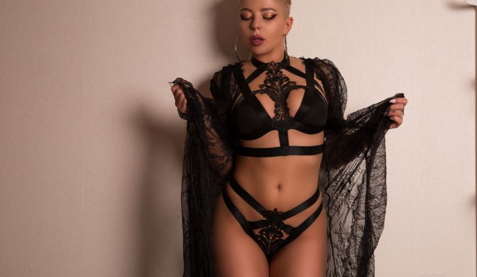 MissXenna Model GlamourCams